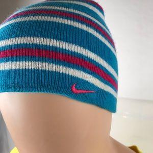 Nike hat👠